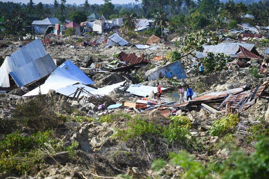 Septembre - le-seisme-suivi-d-un-tsunami-a-lourdement-frappe-les-iles-des-celebes-en-indonesie-vendredi-photo-jewel-samad-afp-1539653916.jpg